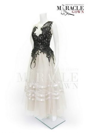 Sewa Gaun Surabaya - Miracle Gown - Black tendrils white layered dress