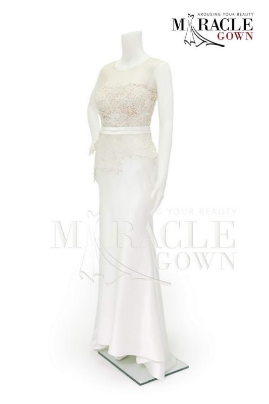 Sewa Gaun Surabaya - Miracle Gown - Lace trimming in snowwhite
