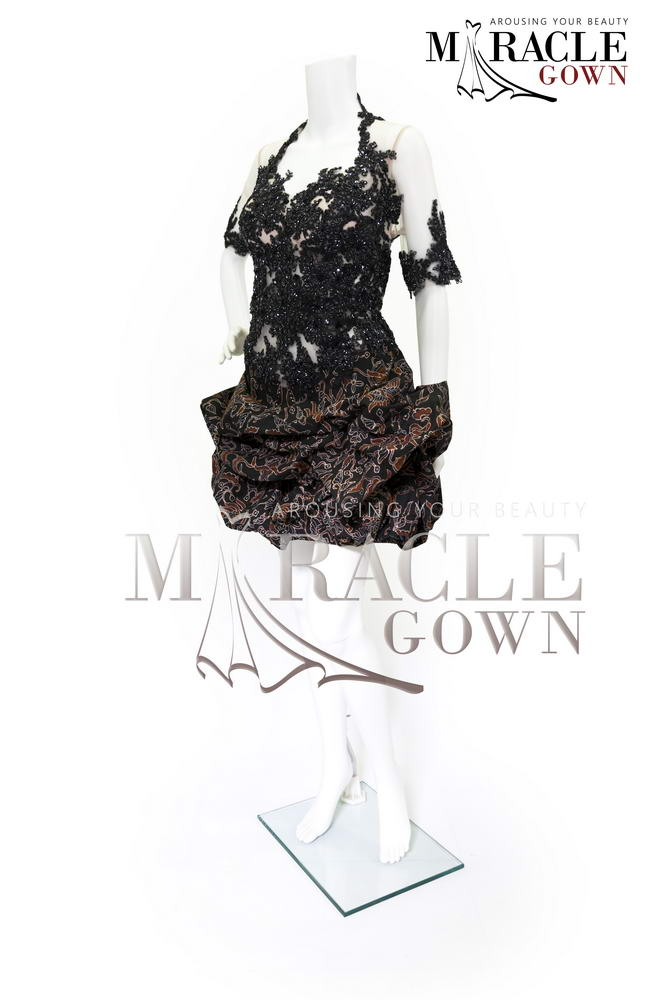 Sewa Gaun Surabaya - Miracle Gown - Wonderlust black brocade cocktail