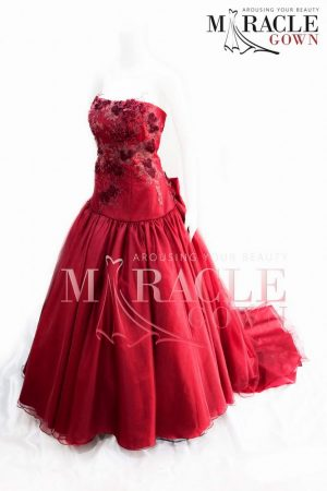 Sewa Gaun Surabaya - Red Flower Brocade on Long Cortege Dress