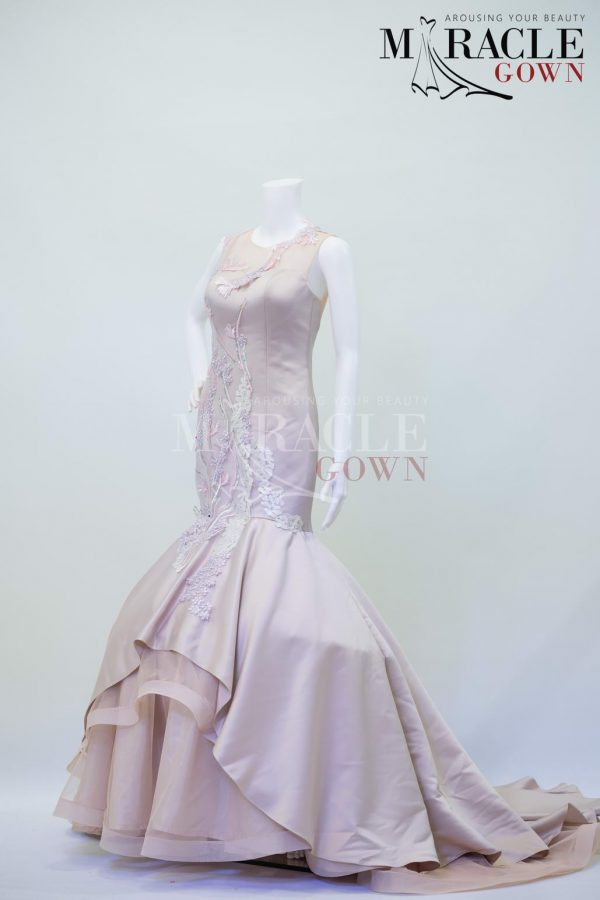 Sewa Gaun Surabaya - Miracle Gown - Chantilly floral lace mermaid gown