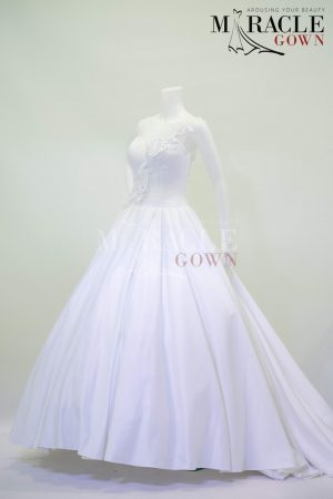 Sewa Gaun Surabaya - Miracle Gown - Magnitude pleated white ball gown