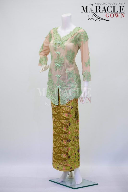 Sewa Gaun Surabaya - Miracle Gown - Mint green on gold kebaya