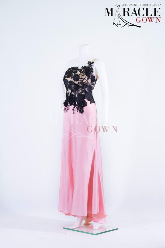Sewa Gaun Surabaya - Miracle Gown - Dark bloom in a rosy evening gown
