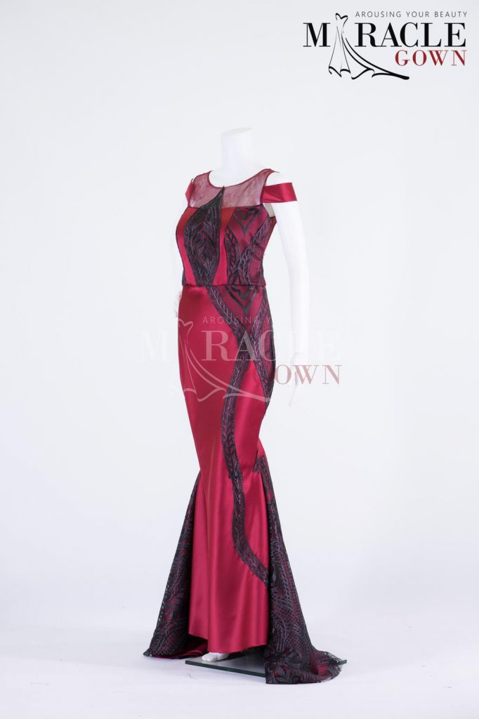 Sewa Gaun Surabaya - Miracle Gown - The dark embroidered lace on ruby red mermaid gown