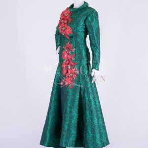 Sewa Gaun Surabaya - Miracle Gown - Coral Red Brocade On Dark Green Pleated Gown