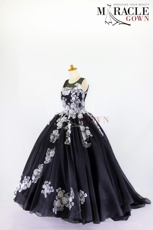 Sewa Gaun Surabaya - Miracle Gown - Shimmering white in black ball gown