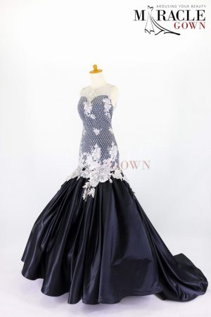 Sewa Gaun Surabaya - Miracle Gown - Succulent white brocade on top of pleated mermaid gown