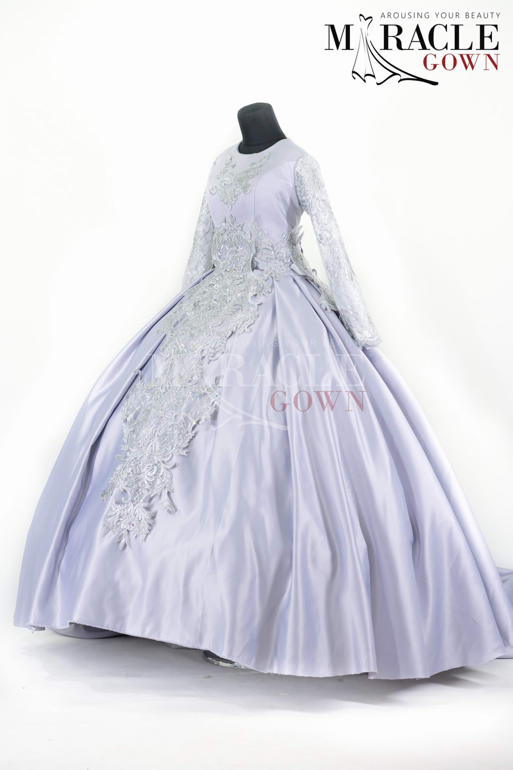 Sewa Gaun Surabaya - Miracle Gown - Elegant Snow Brocade Dress