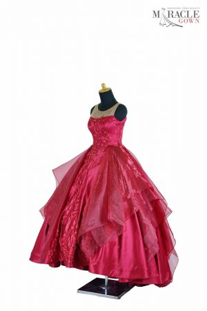 http://gauncantik.com/wp-content/uploads/2018/11/Sewa-Gaun-Surabaya-Miracle-Gown-Luxury-red-organza-quinceanera-dress.jpg