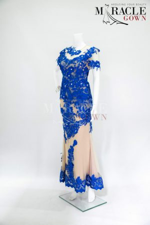 Sewa Gaun Surabaya - Miracle Gown - Creamy gown in lining with blue sapphire brocade