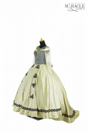 Sewa Gaun Surabaya - Miracle Gown - Golden triangle with lace up sun flower