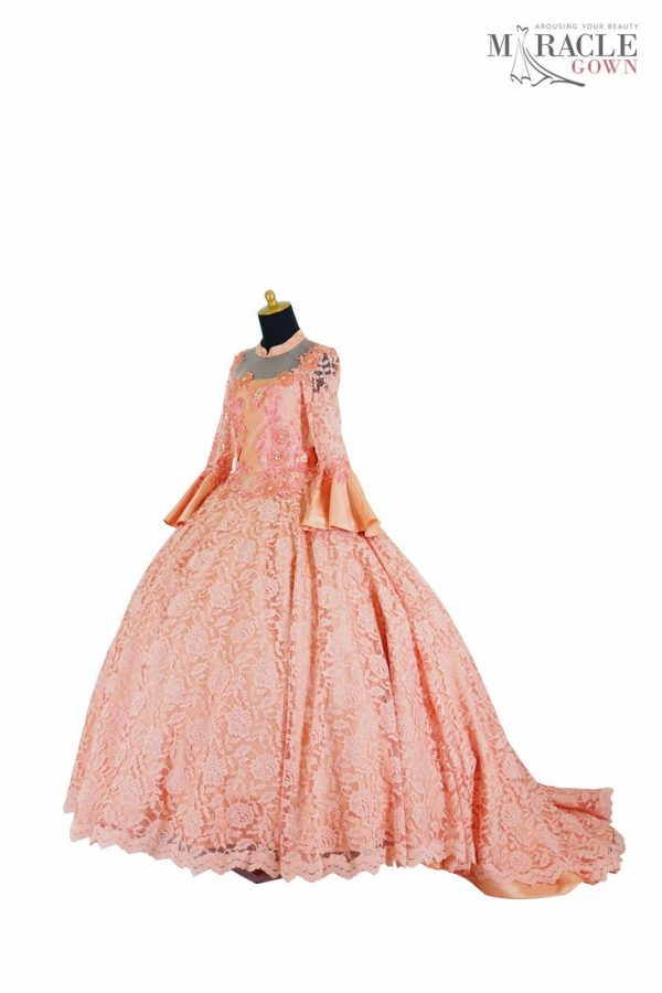 Sewa Gaun Surabaya - Miracle Gown - Peach lace beaded sweet dress
