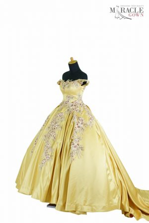https://gauncantik.com/wp-content/uploads/2018/11/Sewa-Gaun-Surabaya-Miracle-Gown-The-golden-gate-flower-dazzle-.jpg