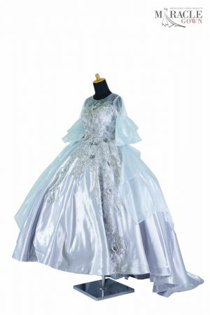 https://gauncantik.com/wp-content/uploads/2018/11/Sewa-Gaun-Surabaya-Miracle-Gown-White-snowy-with-double-flare-sleeve.jpg