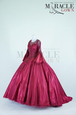 https://gauncantik.com/wp-content/uploads/2018/12/Sewa-Gaun-Surabaya-Miracle-Gown-Princess-ballgown-long-sleeve-red-wine.jpg